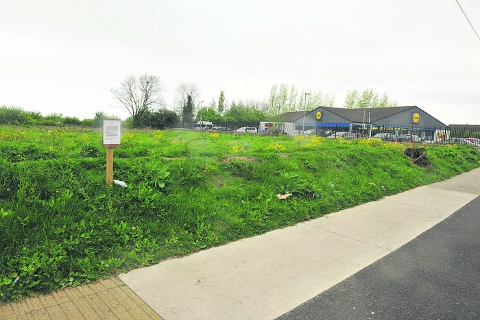 Concerns about substandard storage zones at proposed development in Fortunestown Lane
