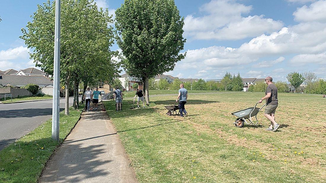 Strengthening of community spirit during estate clean up